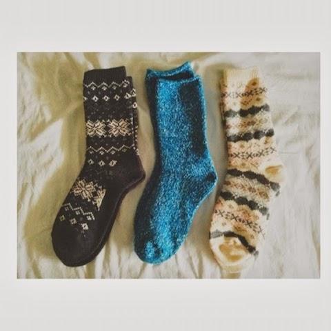 sepasang-kaos-kaki-bersih